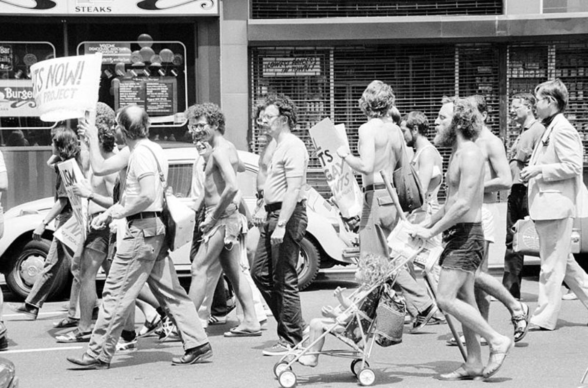 Historical photograph of people protesting in NYC.